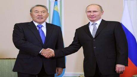 فلاديمير بوتين ونظيره الكازاخستاني نور سلطان نزارباييف