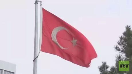 أوغلو: سنضرب الأكراد بمنبج إن لم يغادروها