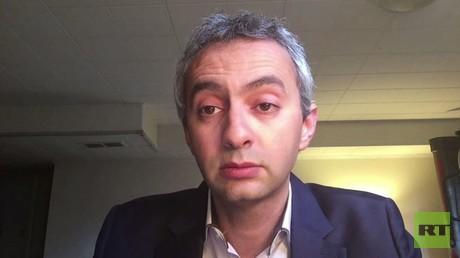 """مدير قسم الشرق الأوسط وشمال إفريقيا في منظمة """"هيومن رايتس ووتش""""، أحمد بن شمسي، خلال حديث لـ""""RT""""، يوم 12 مارس/آذار."""