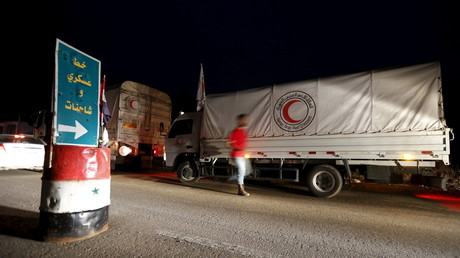 شاحنات المساعدات الإنسانية الأممية تدخل بلدة مضايا السورية