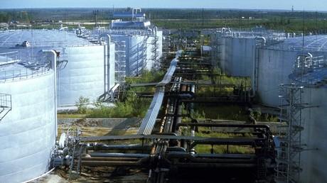أسعار النفط تقفز بعد تفاؤل وكالة الطاقة الدولية