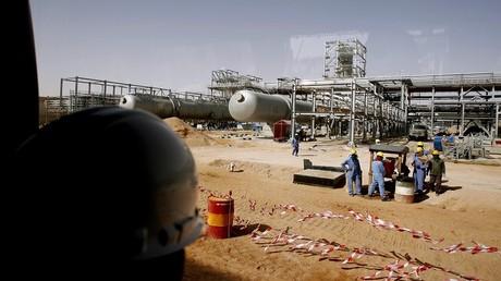 """""""آرامكو"""" تستأنف إمدادات المنتجات النفطية  لمصر وتبين أسباب وقفها سابقا"""