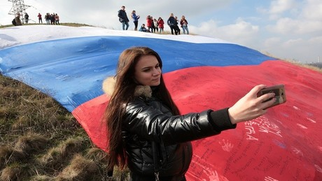 فعاليات عفوية في القرم احتفاءا بالعودة إلى روسيا