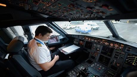 كم يتقاضى طيارو الخطوط الجوية الروسية؟