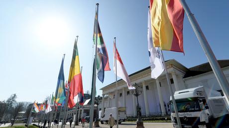 """النقد الدولي يتخلى عن """"الحمائية"""""""