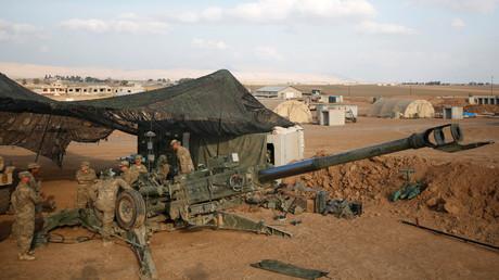 """جنود أمريكيون في قاعدة """"غرب القيارة"""" في الموصل شمال العراق"""