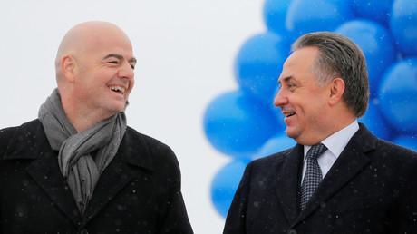 """فيتالي موتكو مع رئيس الاتحاد الدولي لكرة القدم """"الفيفا"""""""