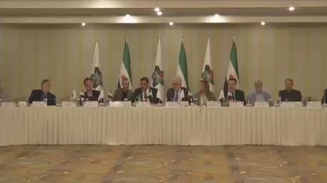 خلافات بين الائتلاف السوري وهيئة التفاوض