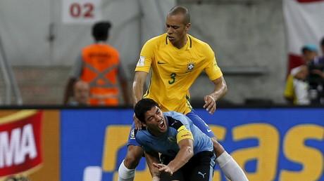 البرازيل والأورغواي في مباراة الذهاب