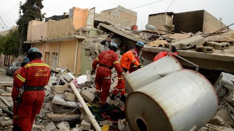 فرق إنقاذ تنتشل جثث قتلى بانفجار كبير في الموصل