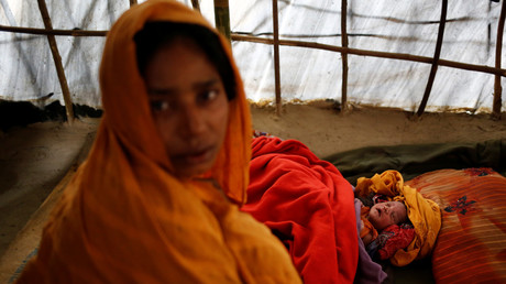 لاجئة من أقلية الروهينغا