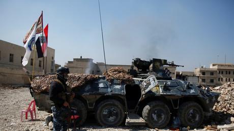 عنصر من الشرطة الاتحادية العراقية في الموصل
