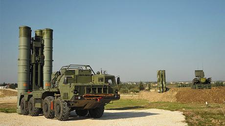 """منظومة """"إس-400"""" في اللاذقية"""