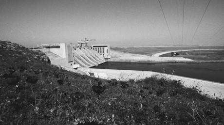 صورة من الأرشيف لسد الفرات عام 1986