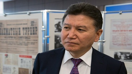 رئيس الاتحاد الدولي للشطرنج كيرسان ايلومجينوف