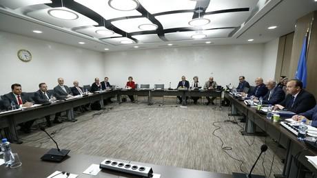 لقاء وفد الحكومة السورية إلى جنيف مع المبعوث الأممي إلى سوريا ستيفان دي ميستورا