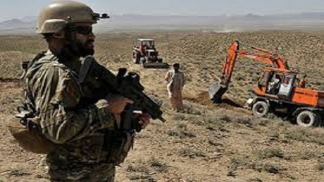 باكستان تزرع جدارا على الحدود مع أفغانستان