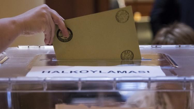 بدء الاقتراع على التعديلات الدستورية التركية في الولايات المتحدة