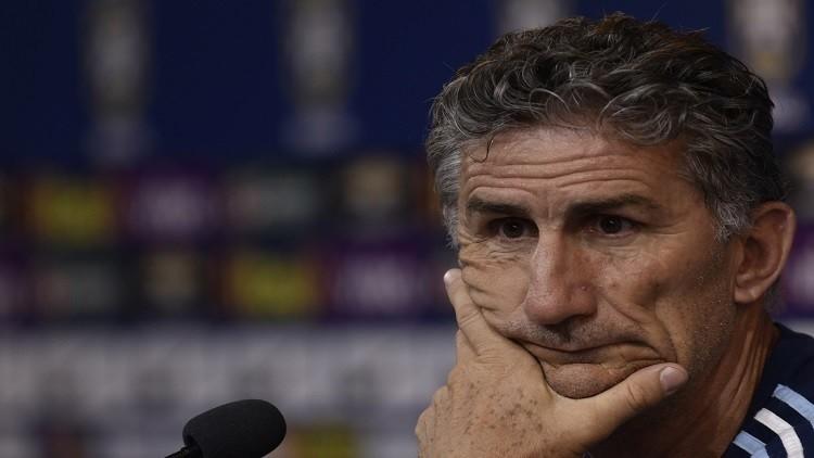 باوزا على وشك الإقالة من تدريب المنتخب الأرجنتيني