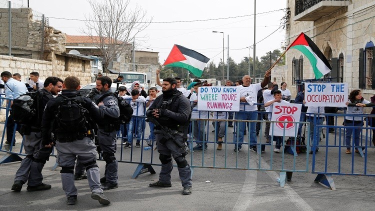يهود وعرب يتظاهرون ضد احتلال الأراضي الفلسطينية