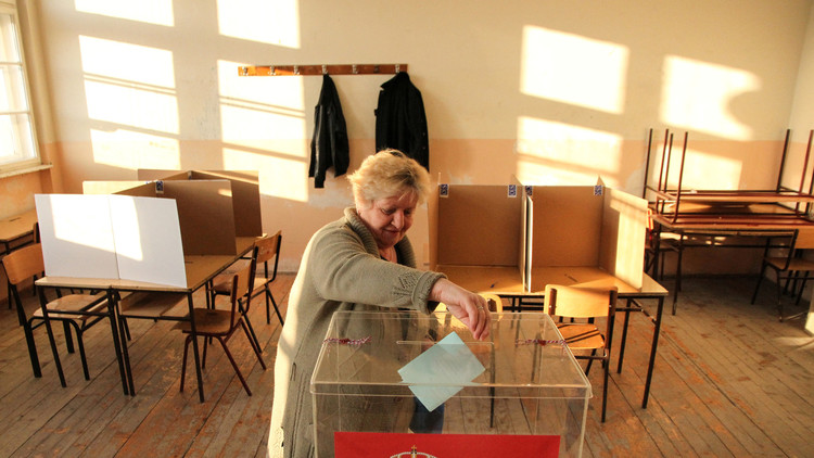 استطلاع رأي يظهر فوز رئيس الوزراء الصربي في الانتخابات الرئاسية