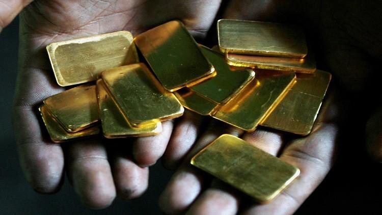 انتعاش الدولار يطفئ بريق الذهب