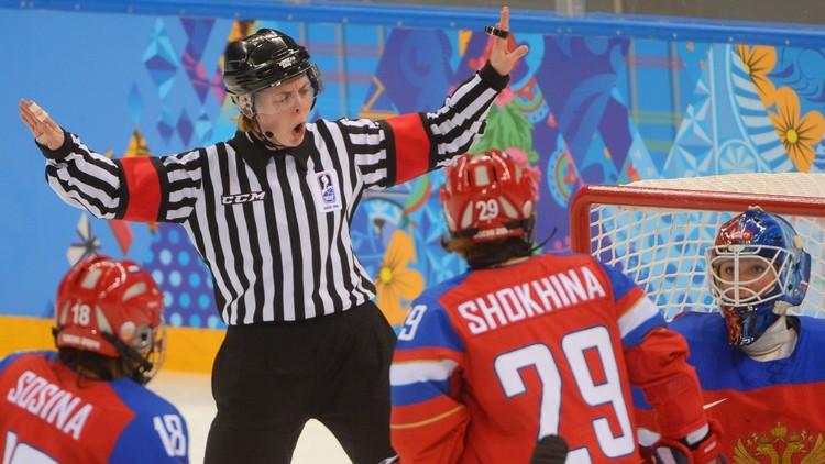 كندا تقسو على روسيا في الهوكي