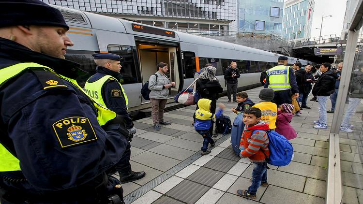 مرض غريب يصيب أطفال اللاجئين في السويد