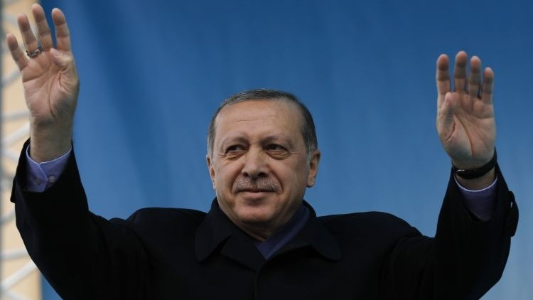 أردوغان يهاجم موسكو
