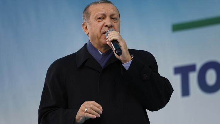 أردوغان لأكراد العراق: أنزلوا علمكم من كركوك