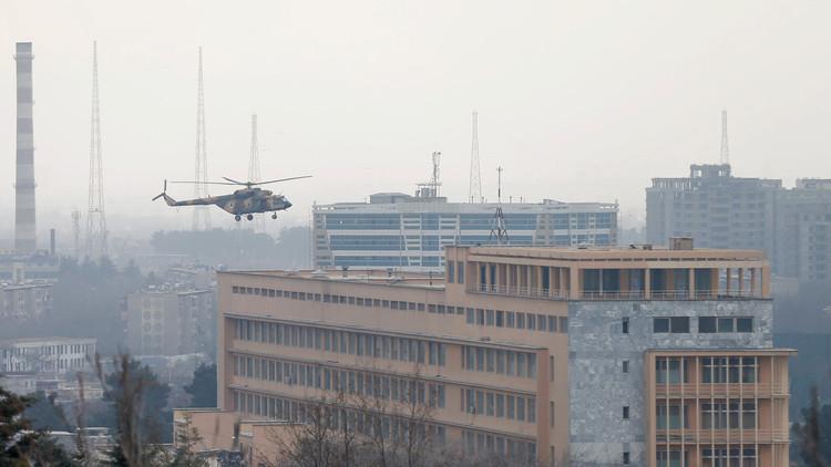 تسريح ضباط أفغان بعد الهجوم على مستشفى في كابل