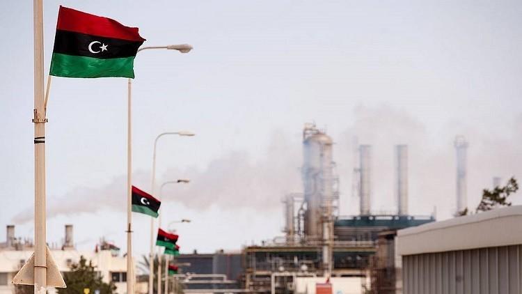 مراكز السلطة في ليبيا تتصارع على النفط