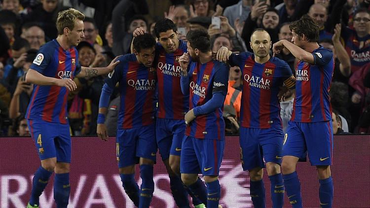 برشلونة يكرم ضيفه إشبيلية بثلاثية