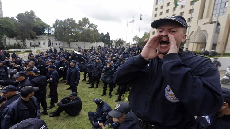 100 ألف من الأمن الجزائري لتأمين الانتخابات البرلمانية