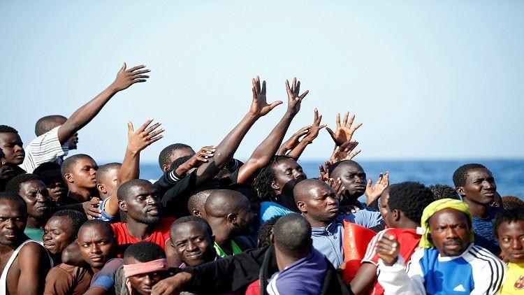 إنقاذ أكثر من 700 مهاجر في مياه المتوسط