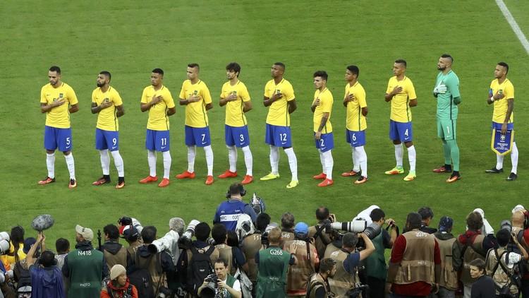 البرازيل تتصدر تصنيف الفيفا وروسيا تتراجع