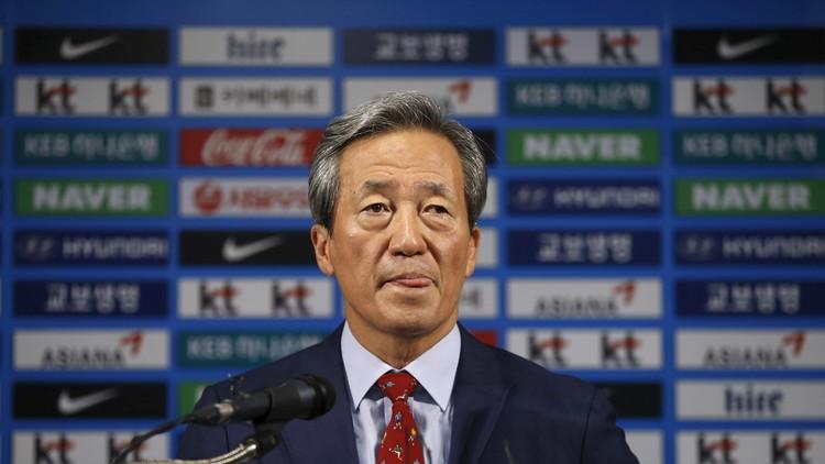 نائب سابق لرئيس الفيفا يطعن بقرار إيقافه