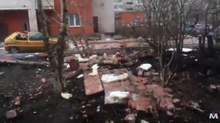 اللقطات الأولى من مكان انهيار جزئي لمبنى في سان بطرسبورغ