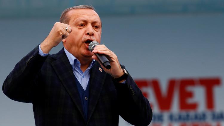 قبل أسبوع من الاستفتاء.. أردوغان يحث مؤيديه على قول
