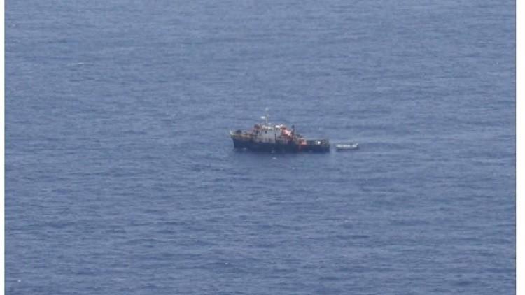 قراصنة صوماليون يخطفون سفينة شحن من توفالو