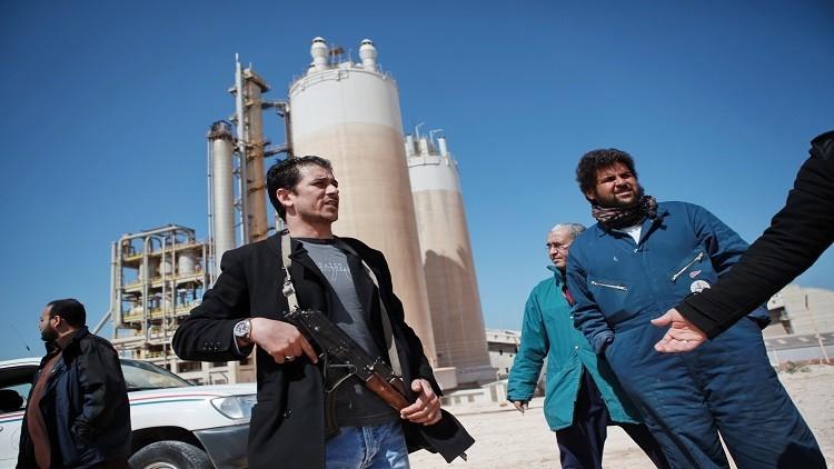 النفط يرتفع بعد إغلاق حقل الشرارة الليبي