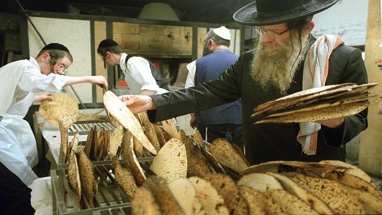 اليهود يحتفلون بعيد الفصح