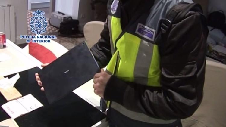 اعتقال مشتبه به روسي في برشلونة بتهمة القرصنة الإلكترونية (فيديو)