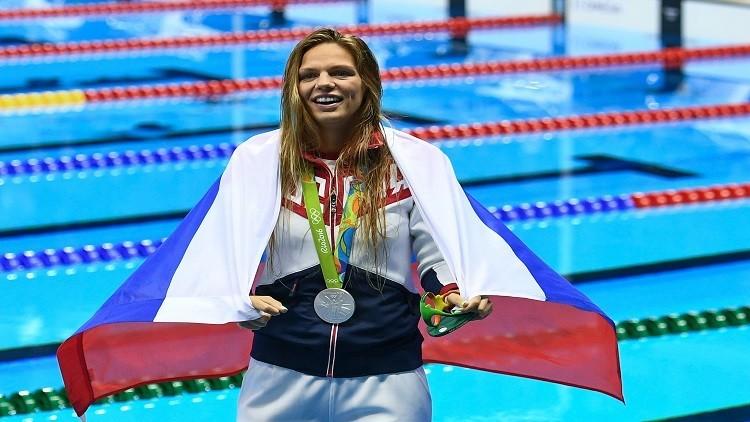 الروسية يفيموفا تحقق أفضل زمن في سباحة الصدر