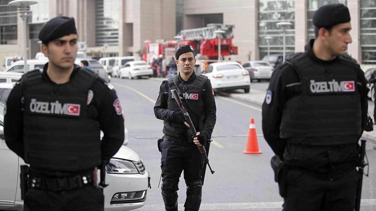 صحيفة: توقيف 19 داعشيا في إزمير التركية
