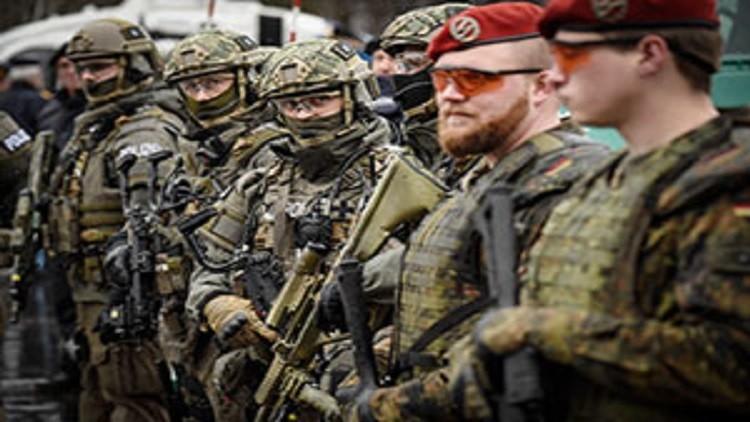 الجيش الألماني يهدده تغلغل النازية