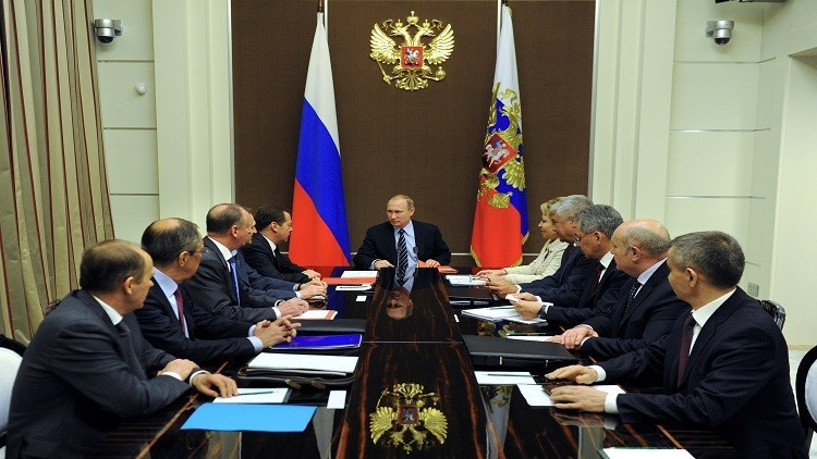 مجلس الأمن الروسي برئاسة بوتين يبحث الأزمة السورية