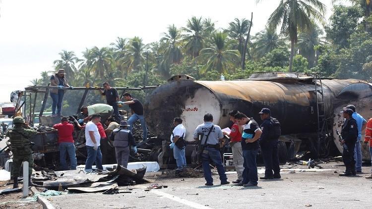 مصرع 24 شخصا بانفجار حافلة وقود في المكسيك