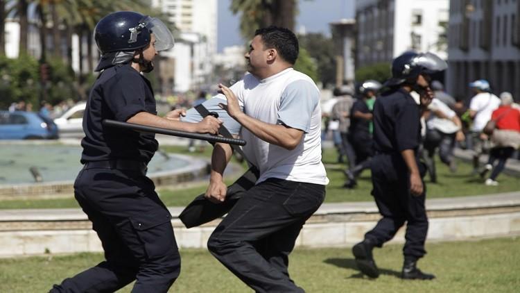 جرحى باشتباكات عنيفة بين الشرطة وطلاب في المغرب