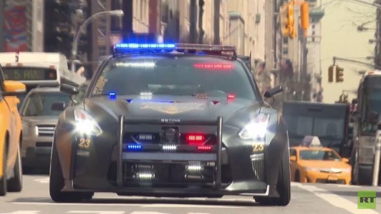 سيارة شرطة خارقة (فيديو)